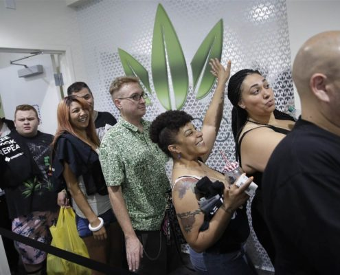 Marijuana Fans Cheer