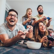 5 Best Strains for Playing Video Games With Friends