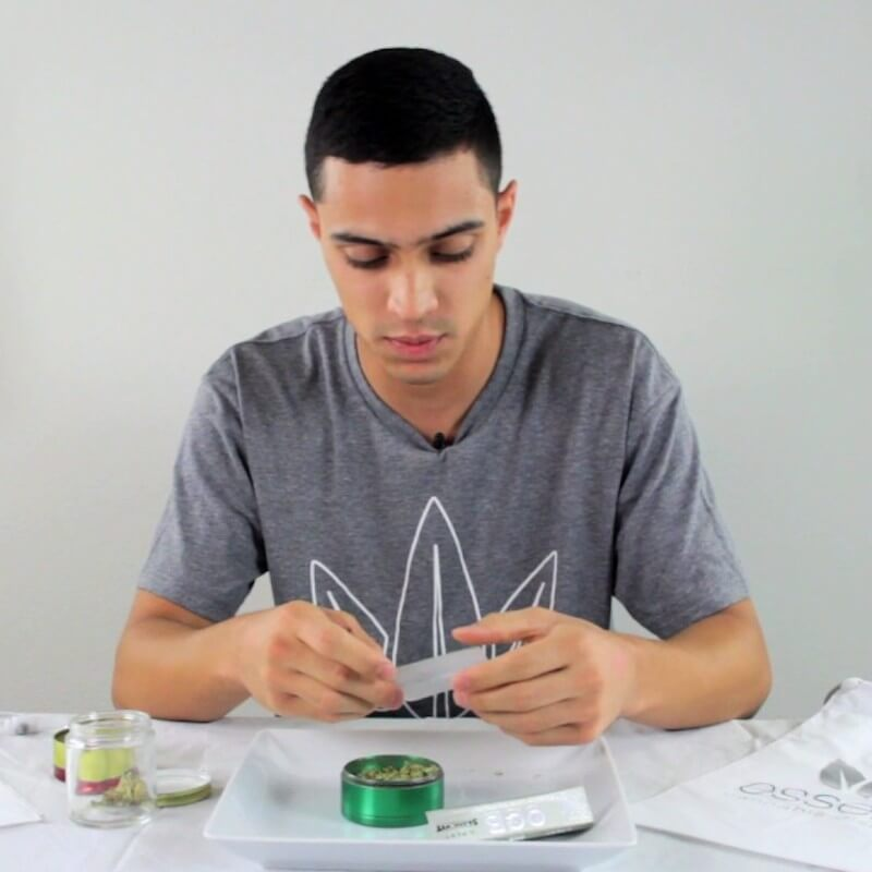 Video Education - How to Perfectly Roll a Weed Joint