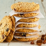 cannabis oatmaeal cookies featured