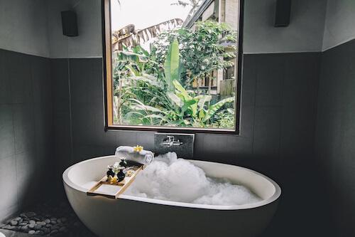 CBD Bath Bomb Benefits
