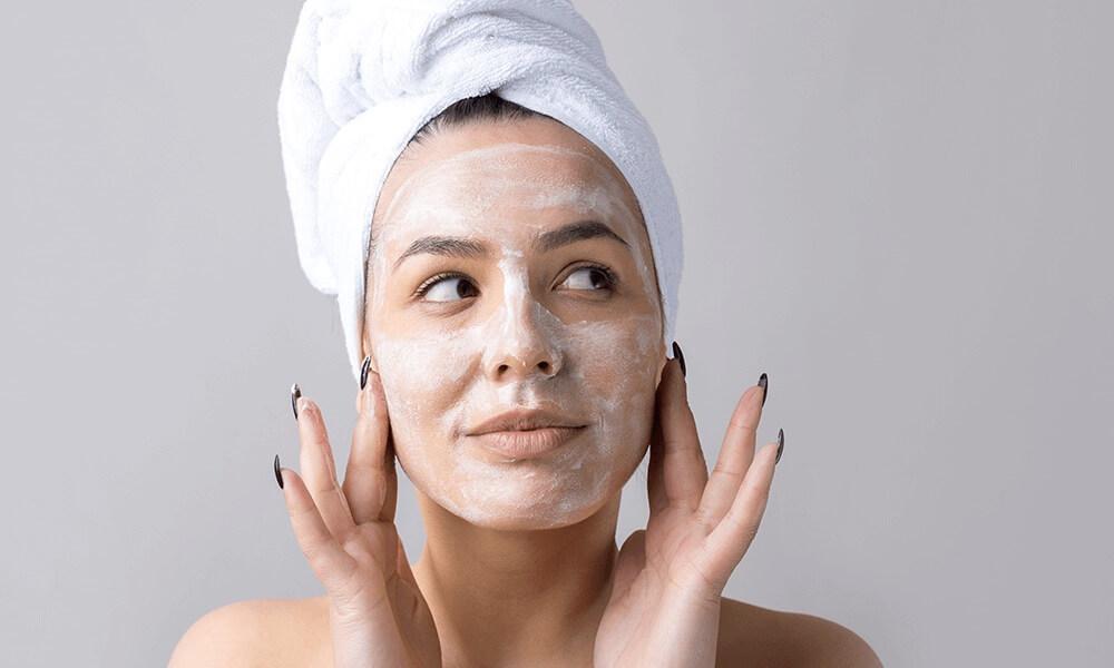 Header Girl Washing Face