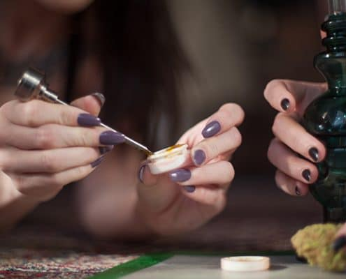 How to smoke marijuana wax